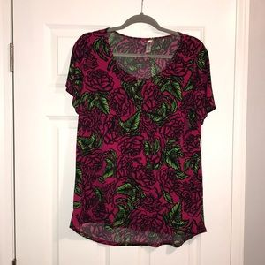 Rose pattern Lularoe classic T size L